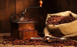 DIY咖啡杏仁蛋白面膜