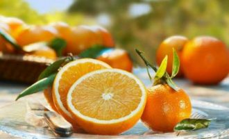 DIY自制橘子蜂蜜毛孔收缩面膜