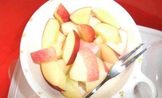 DIY自制鲜牛奶苹果梨补水保湿面膜