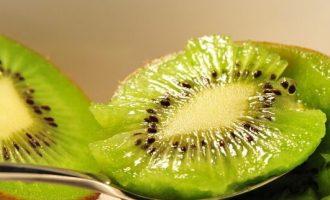 DIY猕猴桃玉米绿豆美白补水面膜